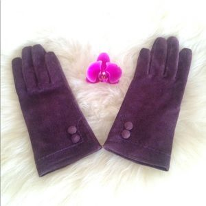Accessories - 💜HP!💜Purple Suede Leather Gloves